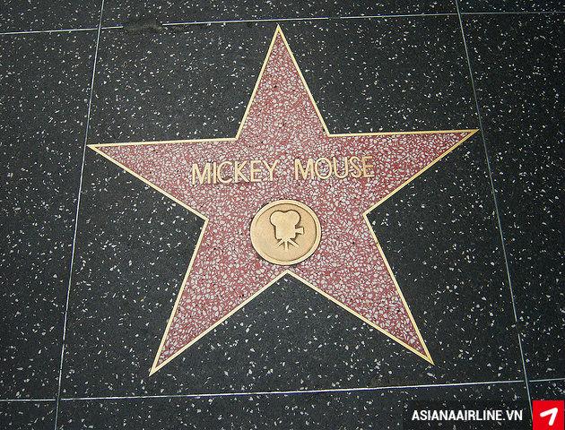 Kham pha Hollywood va nhung diem tham quan an tuong