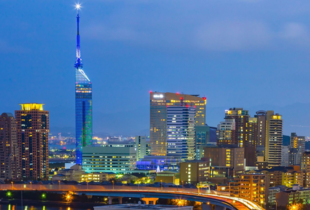 Ve-may-bay-di-Fukuoka-Asian-Airlines