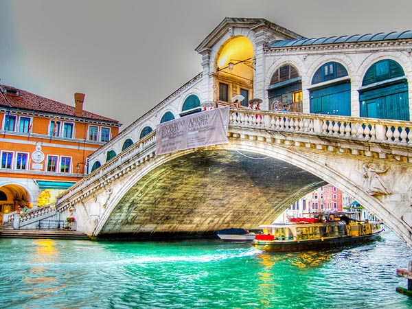 Vé máy bay đi Venice giá rẻ nhất