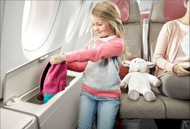 Trẻ em lên máy bay cần giấy tờ gì