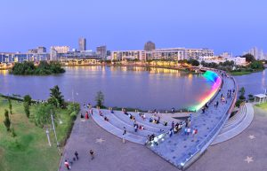 Phố đi bộ Nguyễn Huệ top điểm vui chơi ở Sài Gòn buổi tối