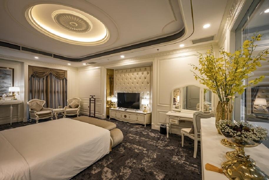 Phòng royal suite Khách sạn Mường Thanh Luxury Sài Gòn