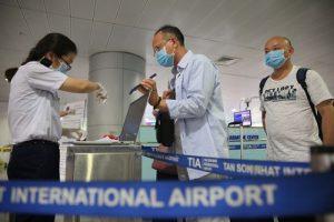 Chuyến bay đón chuyên gia Mỹ về Việt Nam