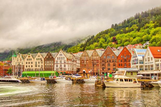Vé máy bay đi Oslo giá rẻ, thành phố trong lành, bình yên của Na Uy