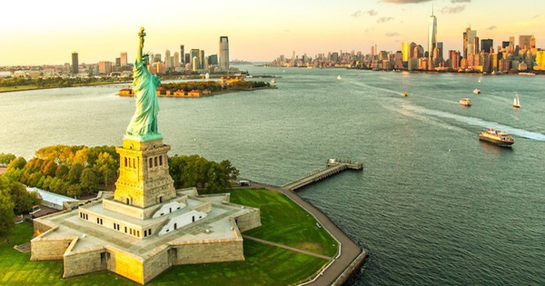 Tượng nữ thần tự do - biểu tượng đặc trưng nước Mỹ