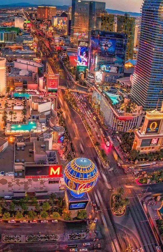 Dải Las Vegas - đoạn đường thu hút du khách có nhiều dịch vụ sang trọng nhất